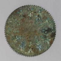 緑松石象嵌鋸歯縁鏡-1