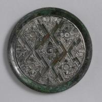 花菱紋鏡-1