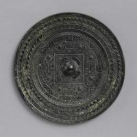 方格規矩渦紋鏡-1
