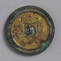 鍍金方格規矩獣紋鏡-1